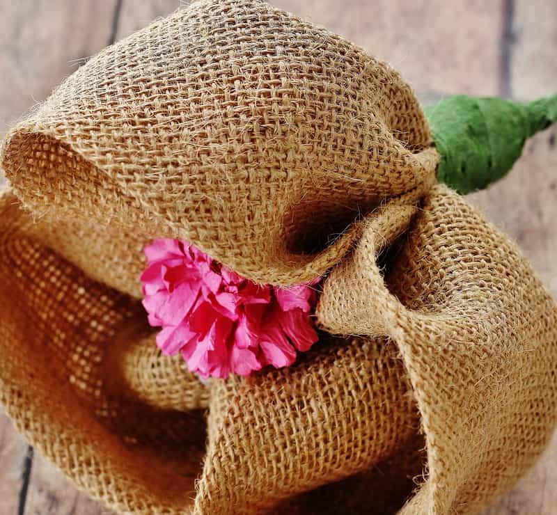 Burlap-Flower-DIY