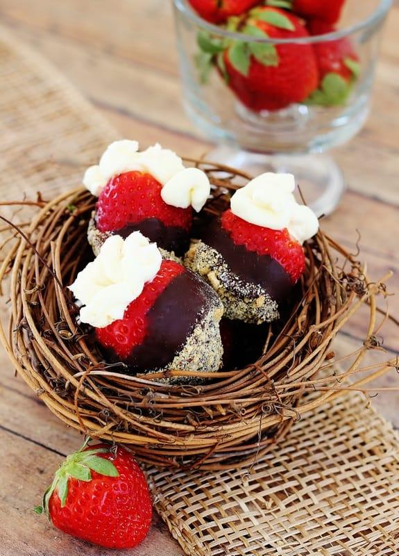strawberry cheese cake bites