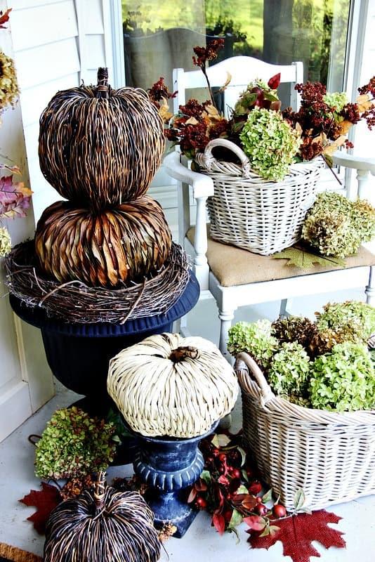 budget-fall-decorating-ideas-door