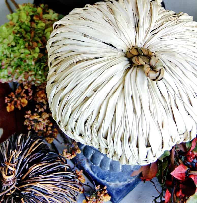 budget-fall-decorating-ideas-pumpkin