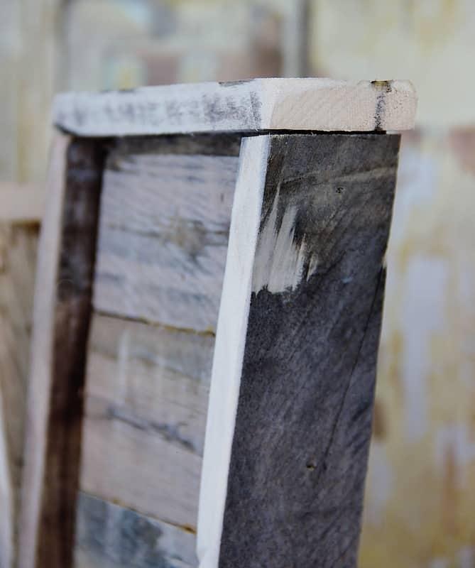 pallet-wood-letter