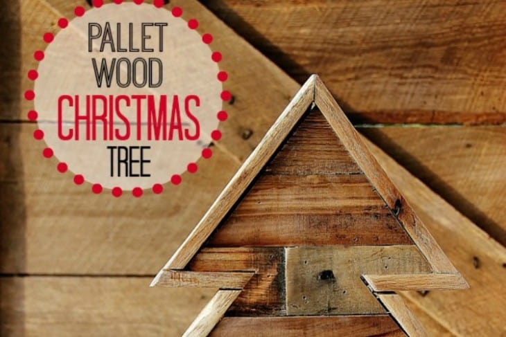 Pallet Wood Christmas Tree (and a Linky Party)