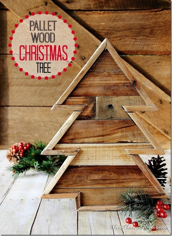 Pallet wood christmas tree and a linky party for How to build a tree stand from a pallet