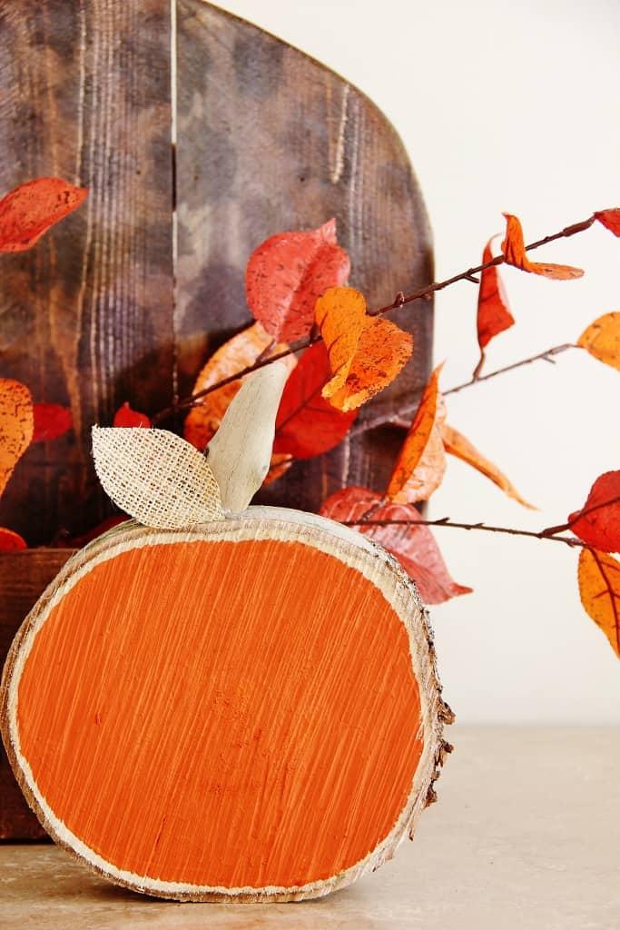 DIH Rustic Pumpkin Stand Wood Pumpkin