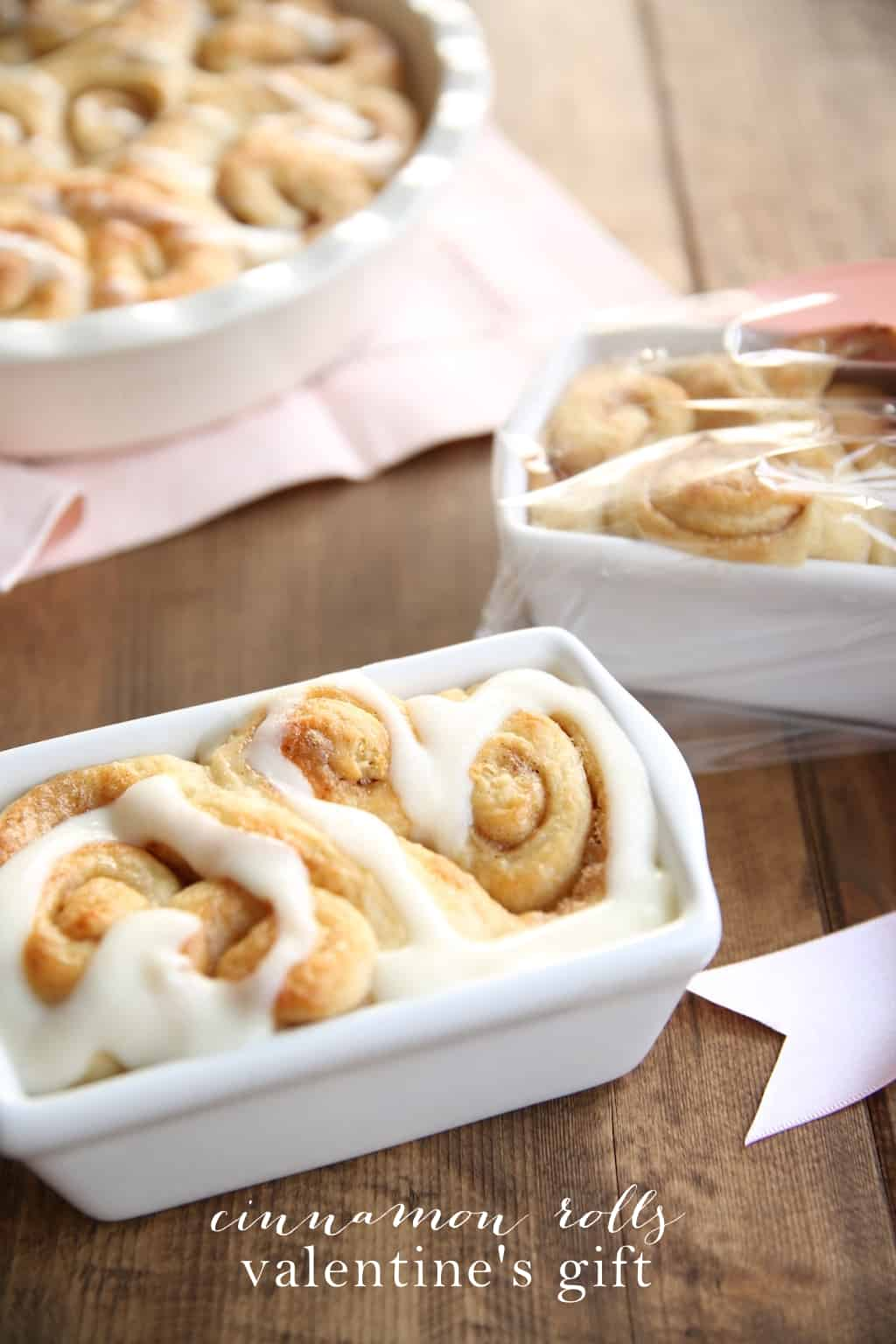 cinnamon-rolls-valentines-gift