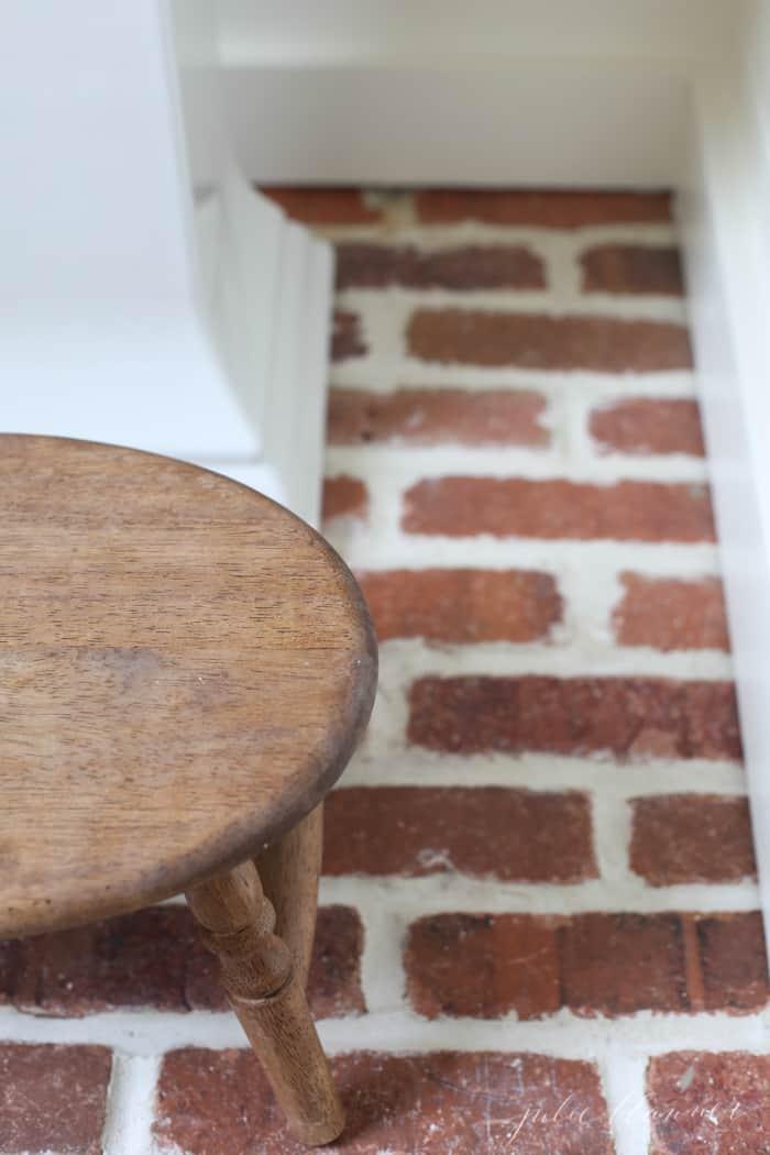 bathroom-stool-1