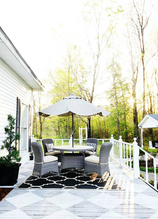 back porch dining table